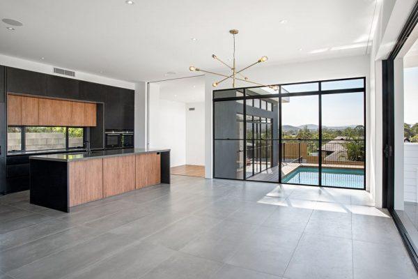 Living area using large format porcelain tiles